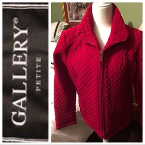Gallery Petite-PL-new condition. Red!
